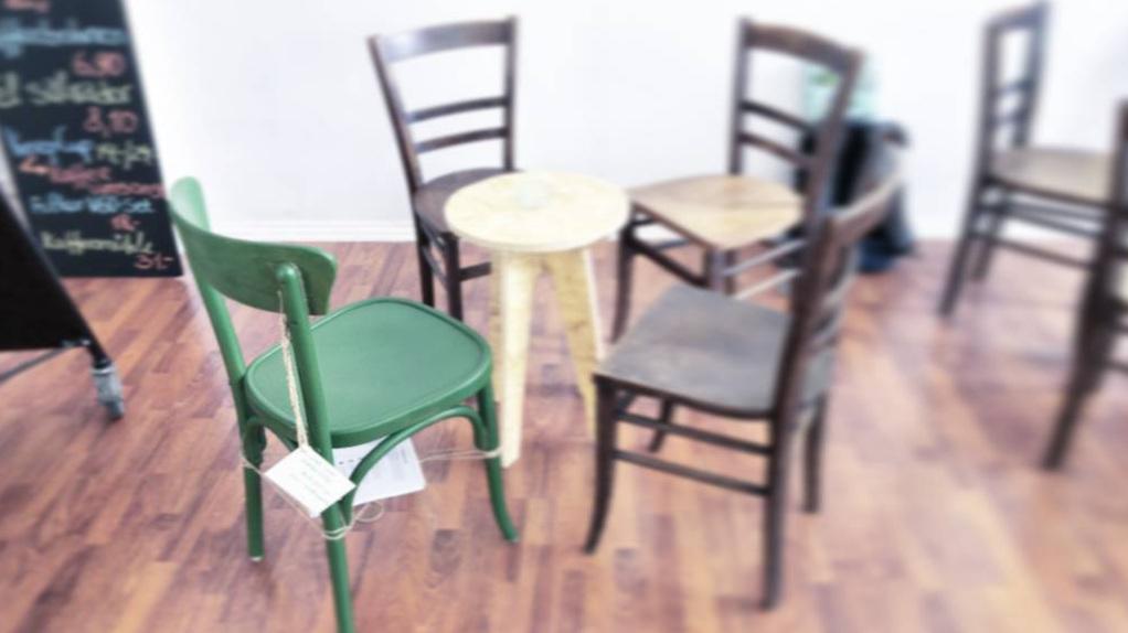 """Unser """"Chair Your Knowledge""""-Projekt im Pop-Up Café"""